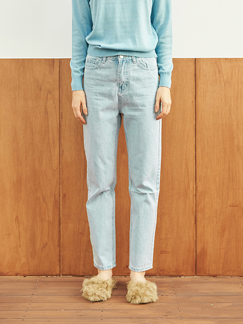 STRAIGHT LIGHT BLUE WASHING JEAN (BLUE)