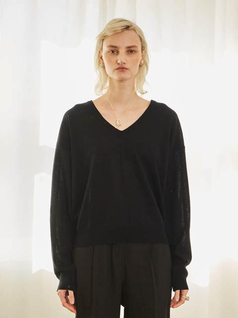 VIVID V NECK KNIT (BLACK)